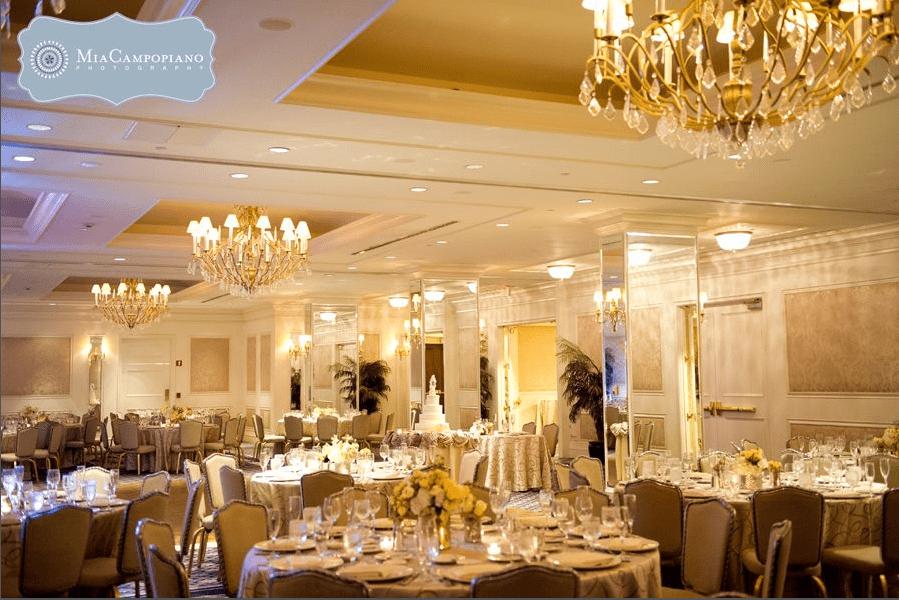 Huntington-Ballroom-2-Colonnade